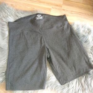 3/22$ NWOT ACX active womens gray short